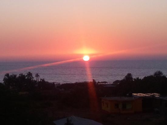 Simply Special Inn: Sunset @ Deja Vu