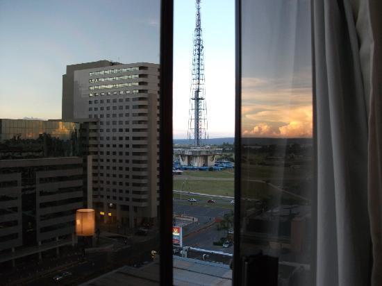 Windsor Plaza Brasília Hotel: vista de quarto (lado impar) Brasilia TV Tower view from Naoum Plaza room