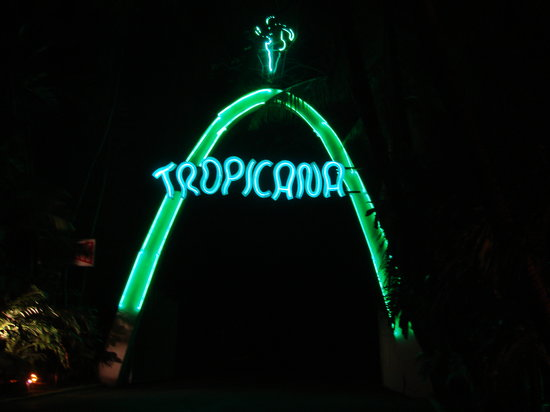 Tropicana : Entrance to facility.