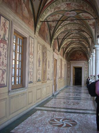 Prince's Palace: The loggia leads to the state apartments