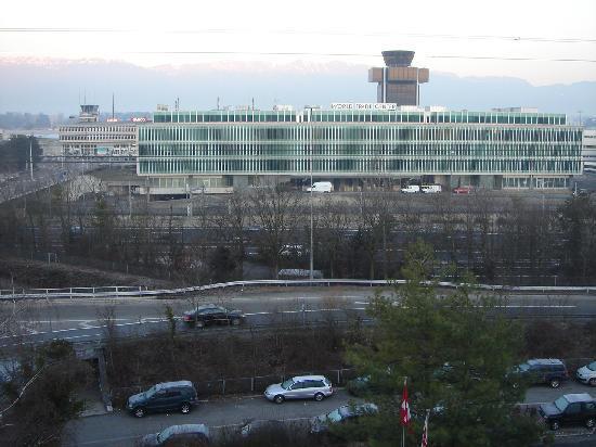 Nash Airport Hotel : views