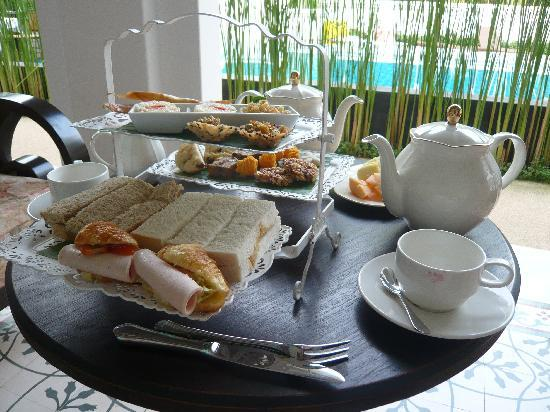 Ping Nakara Boutique Hotel & Spa: Afternoon Tea outdoors