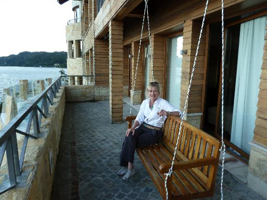 Don El Faro Boutique Hotel & Spa : Balcony and great swing to relax