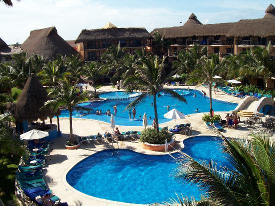 Catalonia Riviera Maya: This rooms faced the pool and the beach on the Yucatan side!