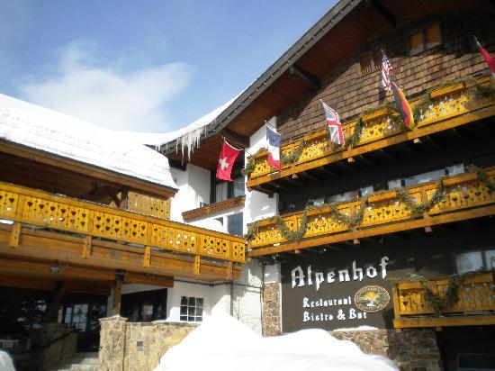 Alpenhof Lodge: Close-up of the Hotel