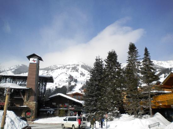 Alpenhof Lodge: You are so close to the skiing and other restaurants