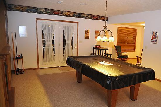 The Paddock Inn Bed & Breakfast: Game Room