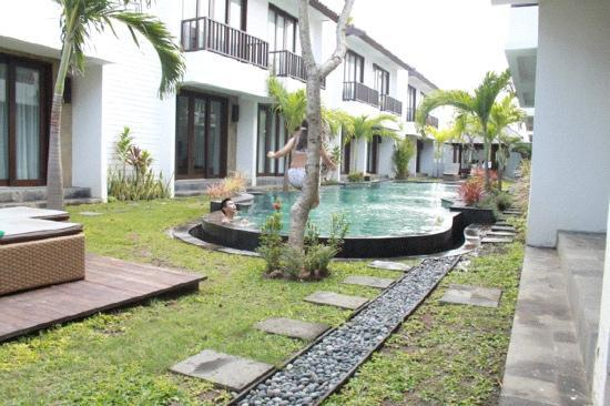 Seminyak Town House: the pool
