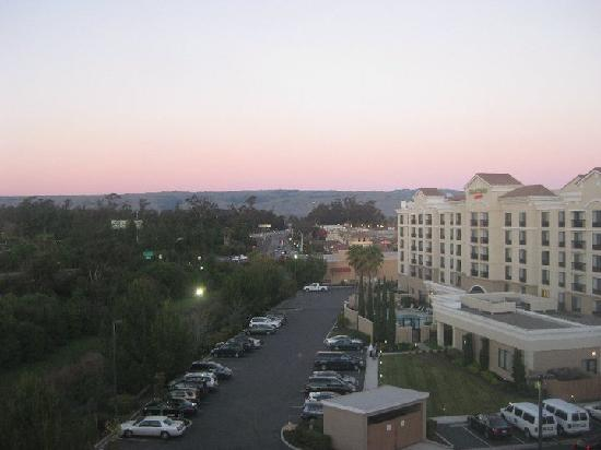 Residence Inn Newark Silicon Valley: A picture of the sunet on our first night