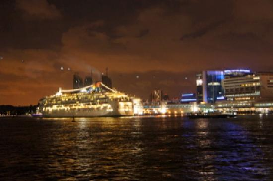 Wyspa Sentosa, Singapur: HarbourFront and Cruise Ships