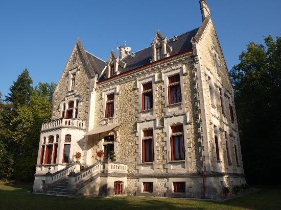 Chateau La Thuiliere - vista exterior