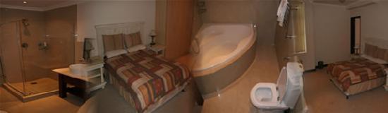 Centurion All Suite Hotel: bedbath