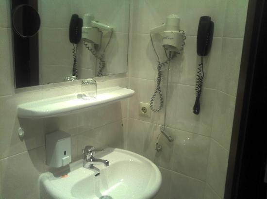Hotel Kreller: Einrichtung am Waschtisch