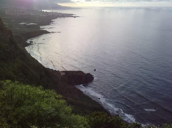 Puerto de la Cruz, Spain: Playas virgenes que se llega caminando