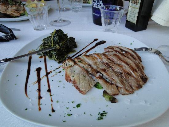 Osteria al Torcol: Schweinesteak mit Blattspinat