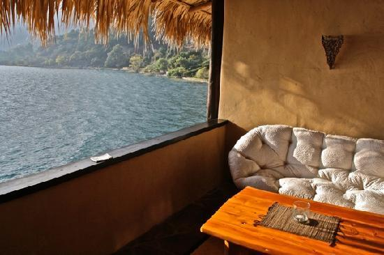 Laguna Lodge Eco-Resort & Nature Reserve: balcony