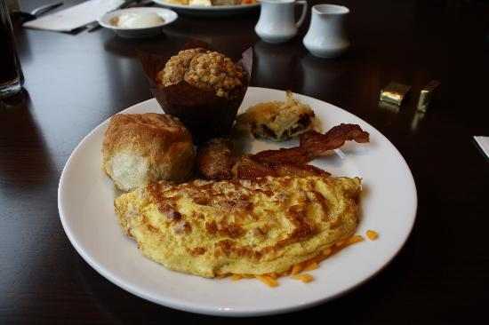 Harrah's Cherokee Casino Resort: Breakfast @ Paula Deen's