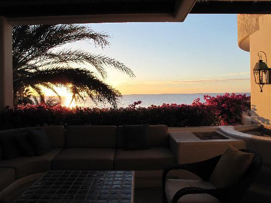 Las Ventanas al Paraiso, A Rosewood Resort: Sunrise view from suite terrace