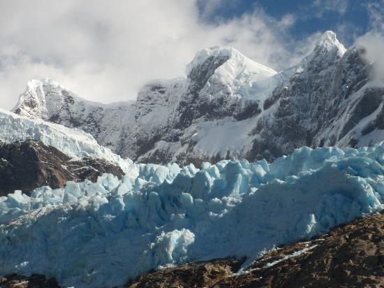 Torres del Paine National Park: El avance del hielo en la montaña