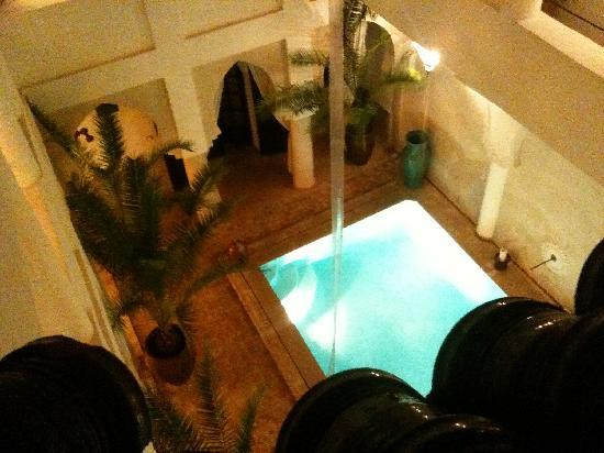Riad Shemsi: Looking down on the pool