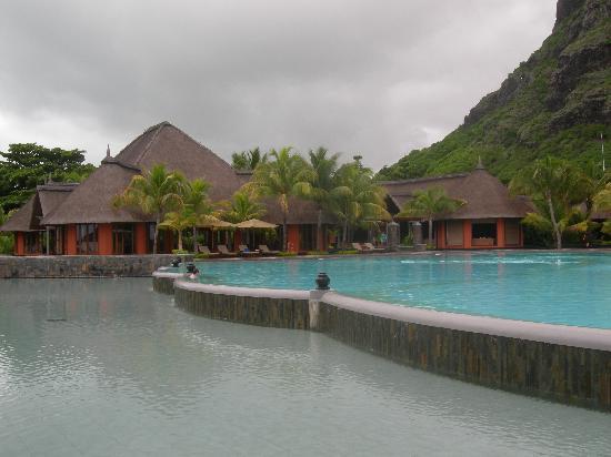 Paradis Beachcomber Golf Resort & Spa : piscine du Dinarobin