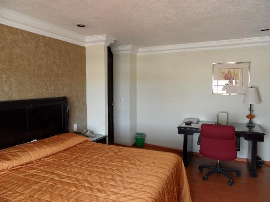 Dali Plaza Hotel : chambre