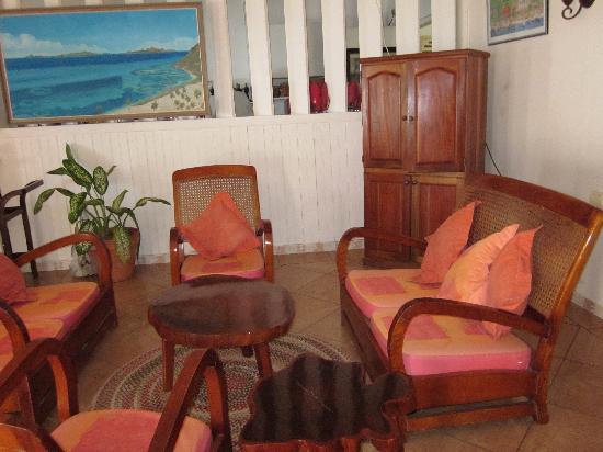 Frangipani Hotel: Lobby