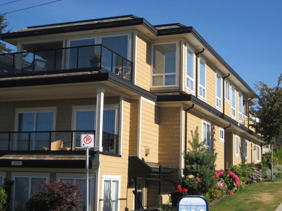 Christines Bed & Breakfast: PERFECTLY LOCATED IN CENTRAL WHITE ROCK