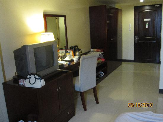 Hotel Fortuna: Clean room - Some include internet.