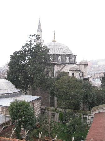 Dara Hotel Istanbul: from our room to the mosque next door and beyond