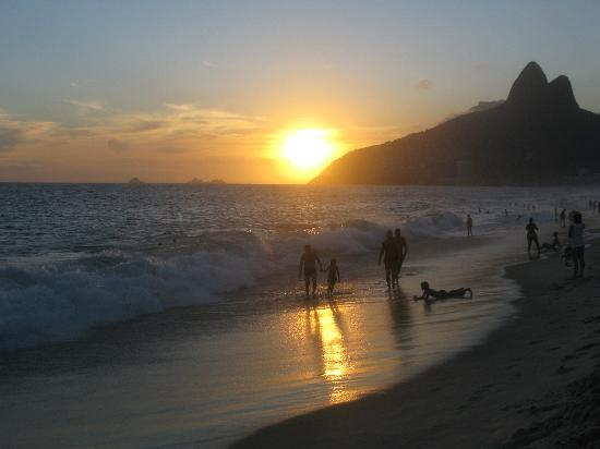 Sol Ipanema Hotel: Sunset at Ipanema