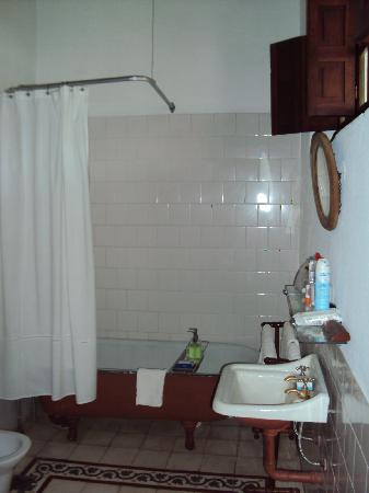 Estancia Los Potreros: my bathroom (better than this in real life)