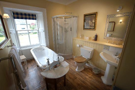 En Suite Bathroom With Roll Top Bath Picture Of The Old Manse