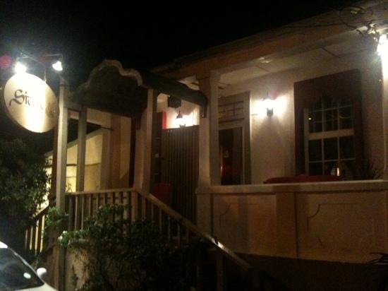 Sitar Indian Restaurant: Sitar at night