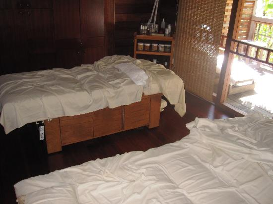 Four Seasons Resort Bora Bora: Spa Couples Massage Room