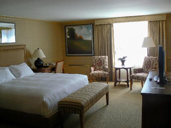Inn at Lambertville Station: King Room