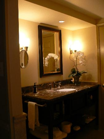 Lambertville Station Inn: Bathroom