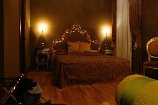 Hotel Al Ponte Mocenigo : Our Room