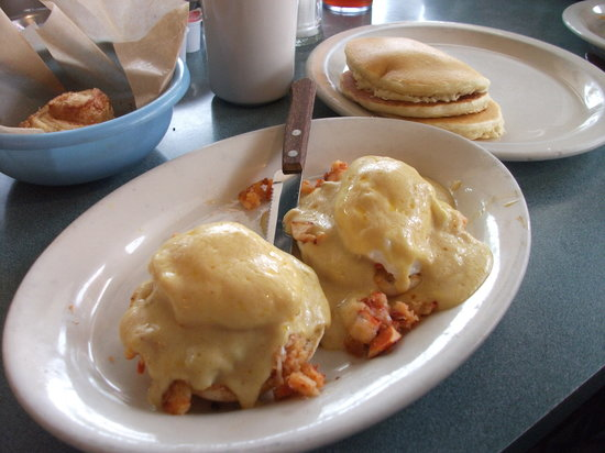 Lenny's Restaurant: lobster benedict