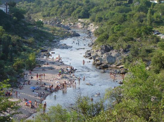 Villa Icho Cruz, Argentina: Vista de la habitación al rio y naturaleza