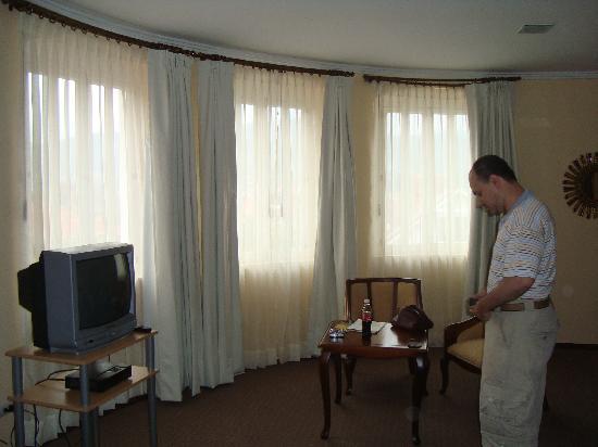Hotel La Casona : Habitación matrimonial mas dos camas simples