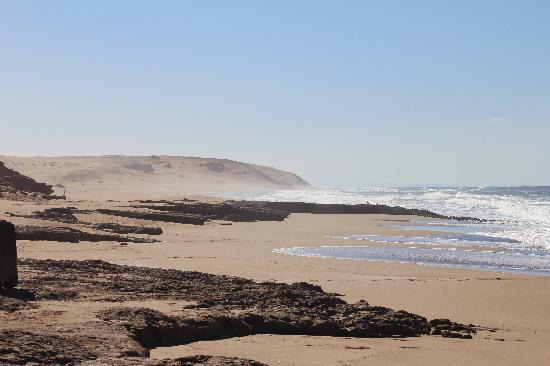 Maroc-Oasis: local beach. Empty all day !!