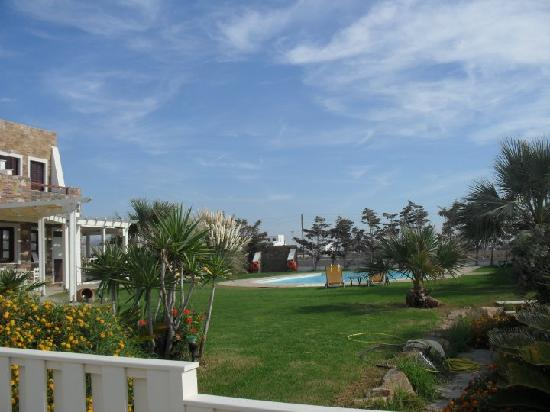 Naxos Resort Beach Hotel: The hotel pool & gardens