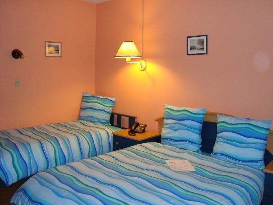 Motel le Marquis : chambre triple (3 personnes)