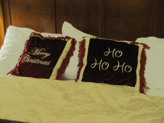 The Inn at Christmas Place: Perfect for couples or families!