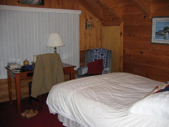 Tuckamore Lodge: My comfy room!