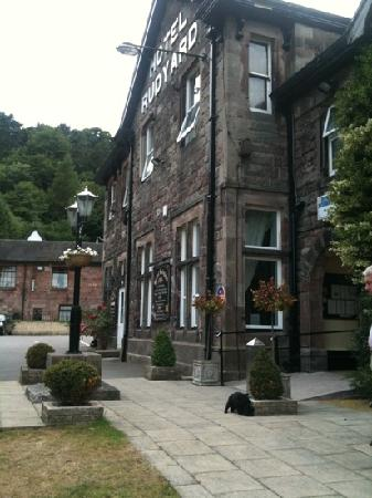 Leek, UK: front of hotel