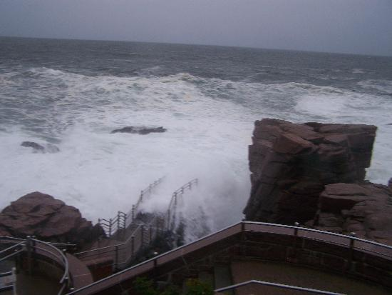 Bar Harbor, ME: Thunder hole in Acadia Nat. Park.