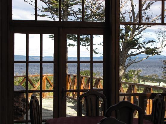 Hosteria Las Lengas: Vista hacia el lago