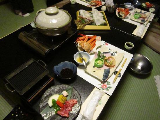 Yuraku Kinosaki Spa & Gardens: 夕食